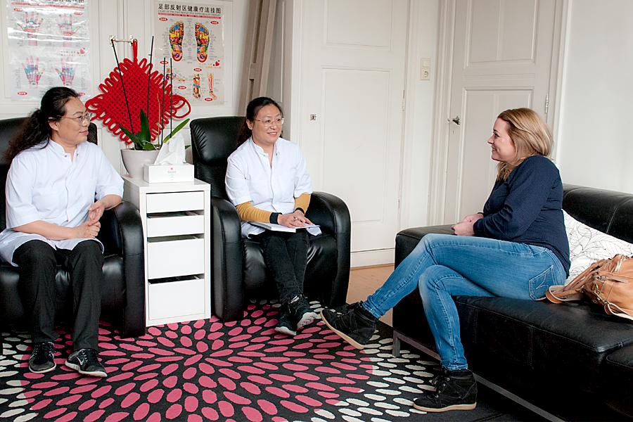 Intake gesprek acupunctuur behandeling.